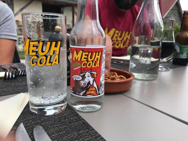 Le Meuh Cola transparent a le goût du Cola, la couleur en moins. KZ