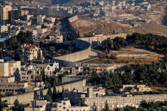 Mur frontière entre Jérusalem-Est et les Territoires palestiniens. © AHMAD GHARABLI / AFP