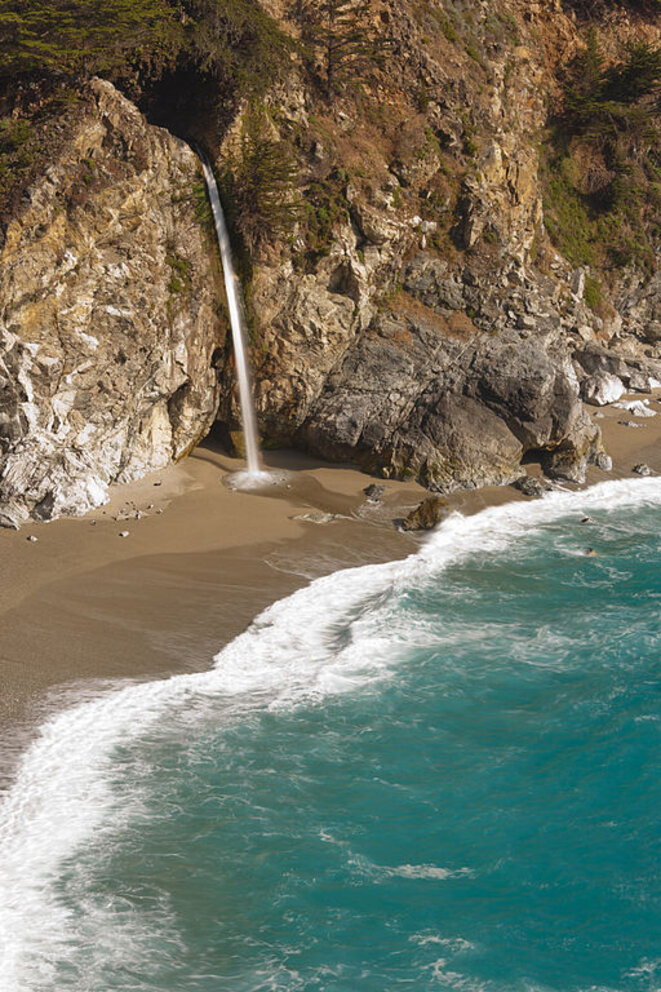 La cascade de McWay à Big Sur © King of hearts WikiMedia