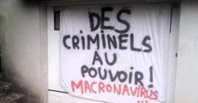 macron-vu-au