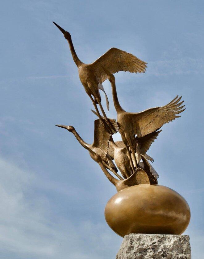 Stèle Commemorative du génocide perpétre contre les Tutsis à Woluwé St Pierre (Belgique) © Nadia Kabalira