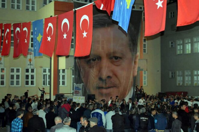 Turks from the Balkans gather at Pristina in Kosovo in March 2014. © Mamusa Municipality/Anadolu Agency/AFP