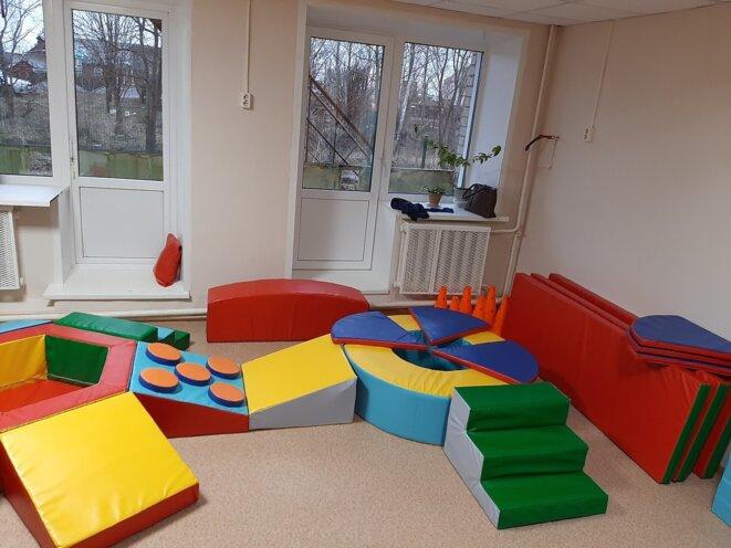 Espace de jeux pour enfants handicapés du centre d'action sociale de Vytegra © Комплексный центр социального обслуживания населения Вытегорского района