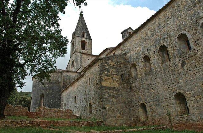 Extérieur de l'abbatiale cistercienne du Thoronet © Alain Bourque - CC BY 2.0