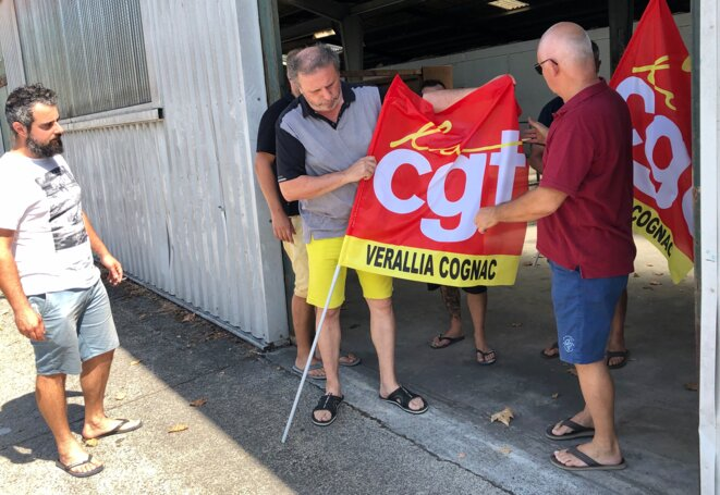 Representatives of the CGT trade union who work at the Verallia glass-making factory at Cognac, August 19th 2020. © MJ