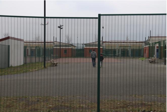 Centre de rétention administrative du Mesnil-Amelot, juillet 2019. © Mathilde Mathieu