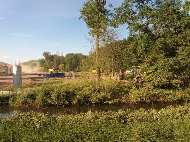 Le bassin de la Bruche est passée en situation de crise au 15 août 2020. Sur le chantier du GCO, la préfecture demande à Vinci de réduire de moitié ses prélèvements dans le canal de Bruche ! © GCO NON MERCI
