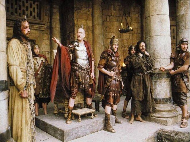 Barabbas remis en liberté et Jésus condamné par la foule © Patrick BERLIER