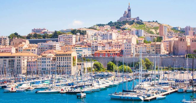 Marseille, la ville et le Vieux-Port © José Gallien