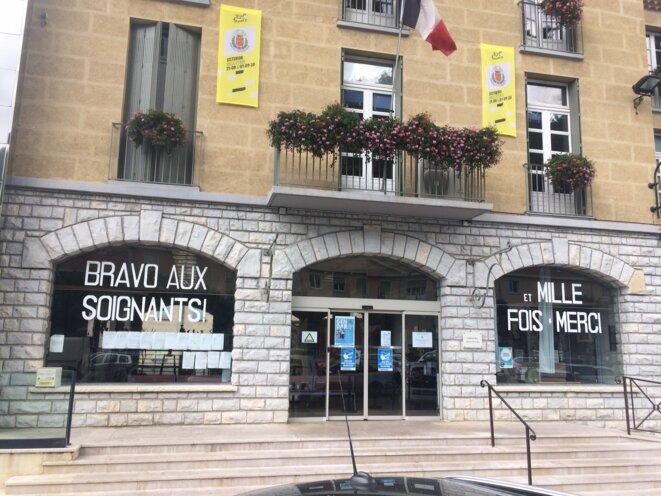 La mairie de Sisteron soutient les soignants mais pas les urgences. © JLLT / MP