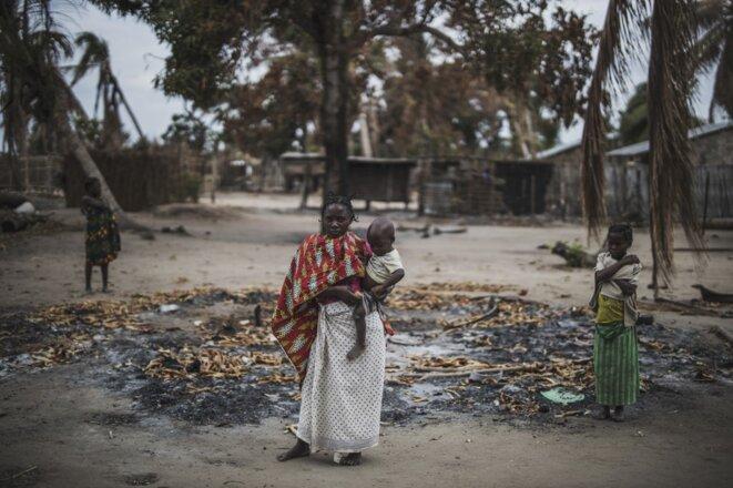 Dans un village attaqué près de Macomia, le 24 août 2019. © Marco Longari/AFP