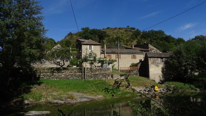 Le hameau de Grattegals © Monique Fraissinet