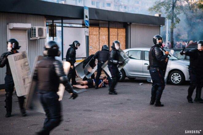Acharnement policier le 10 août 2020 à Brest-Litovsk, Belarus.