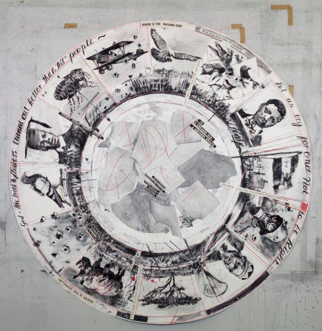 William Kentridge, Untitled, dessin pour The Head ad the Load, tondo II, 2018, fusain, crayon rouge et collage sur papier, 147,5 x 147,5 cm. © Photo Thys Dullaart © William Kentridge/Courtesy de l'artiste