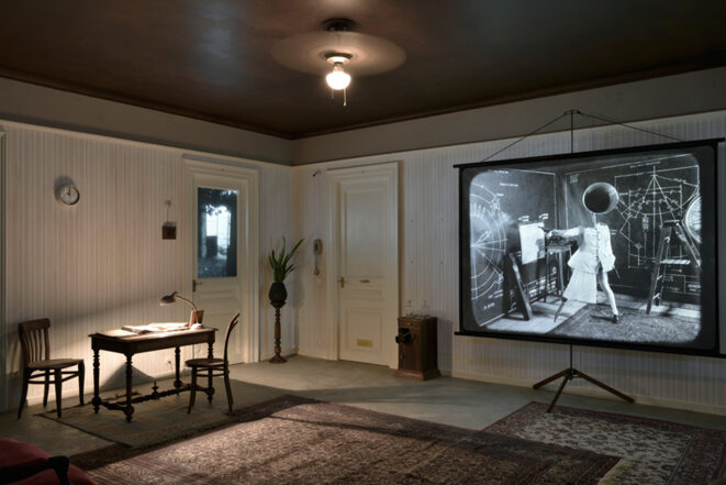 William Kentridge, O Sentimental Machine, 2015, 0 5-channel HD video installation with four megaphones, sound, 9 min 55 sec © Courtesy the artist and Marian Goodman Gallery