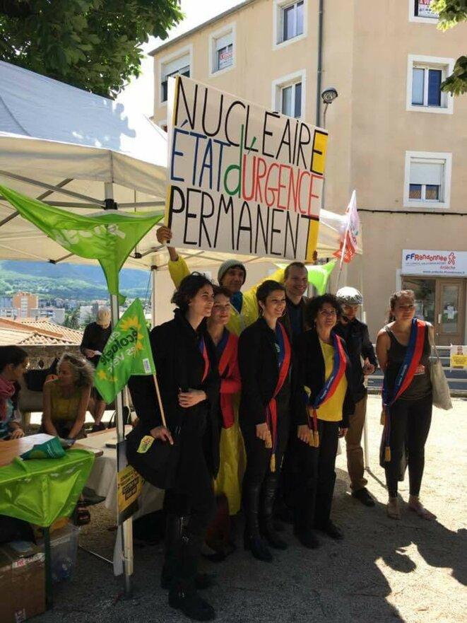 2018 Groupe élus écolos RCES en soutien aux militants Green Peace jugés à Privas 07 avec Florence CerbaÏ ,Corinne Morel-Darleux, Emilie Marche, Monique Cosson et David Corman
