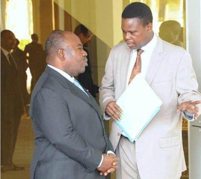 Président du Gabon - à droite -Raphael Ntoutoume Nkoghé, président de la HAC