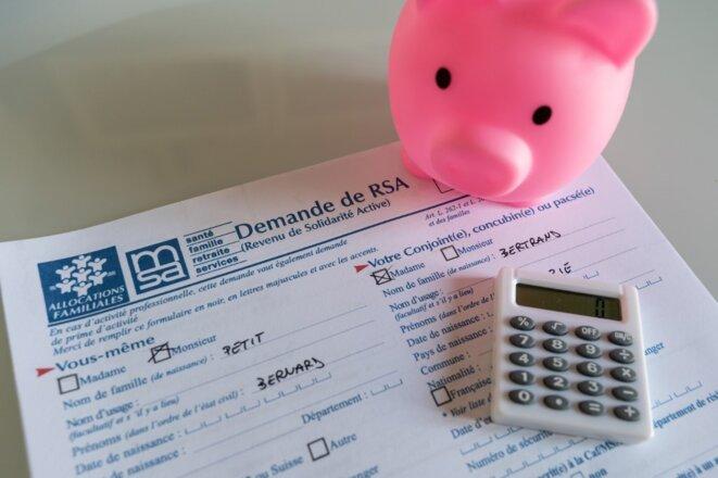 Un excès de zèle de l'administration peut plonger les allocataires dans la mouise financière. © Riccardo Milani/Hans Lucas/AFP