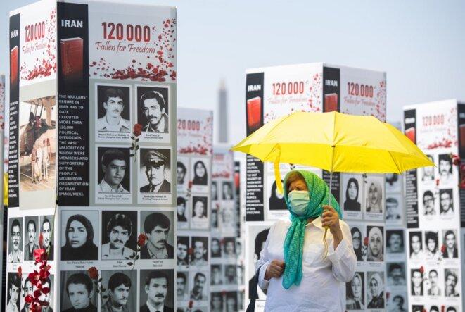 Une exposition mise en place près du Capitole à Washington par une organisation d'exilés iraniens le 4 septembre 2020. © Saul Loeb/AFP