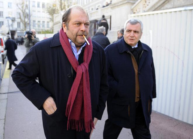 Eric Dupond-Moretti et Thierry Herzog, en décembre 2011, à Saint-Etienne. © PHILIPPE DESMAZES / AFP