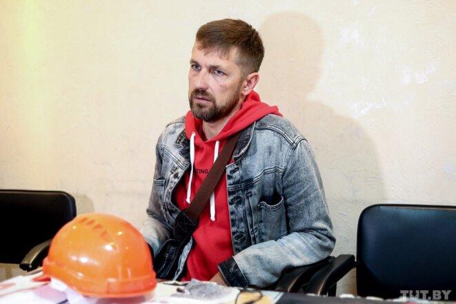 Youri Korzoune, mineur de BelarusKalij qui s'est enchainé dans la mine © tut.by