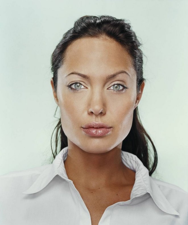 L'actrice Angelina Jolie, égérie de Guerlain (LVMH) © Martin Schoeller (Close Up)