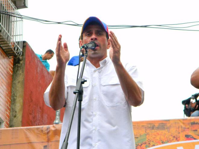 Henrique Capriles Radonski en meeting en 2012. © Walter Prado/Flickr