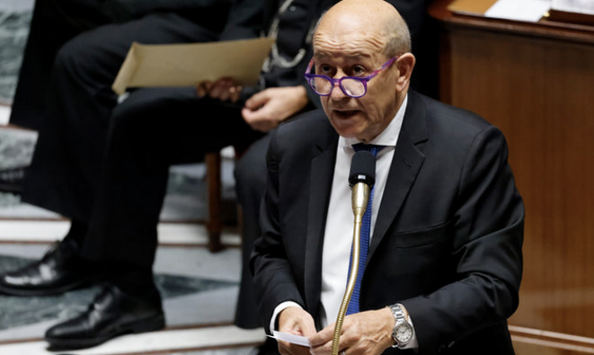 French foreign minister Jean-Yves Le Drian speaking in parliament, September 22nd. © THOMAS COEX / AFP