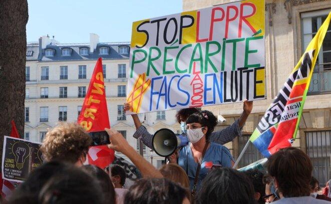 Une mobilisation du collectif «Facs et labos en lutte». © DR