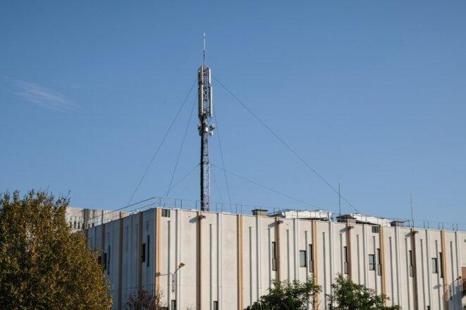 Les antennes d'un réseau expérimental 5G. © Nicolas Lepagnot / Hans Lucas via AFP