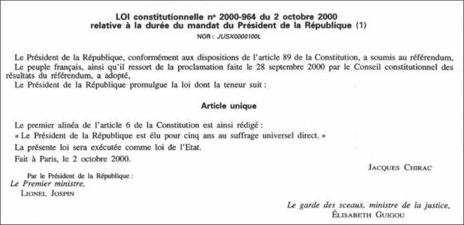 Copie d'écran du JORF du 3/10/2000: loi constitutionnelle 2000-964 du 2/10/2020. © Legifrance.gouv.fr, domaine public