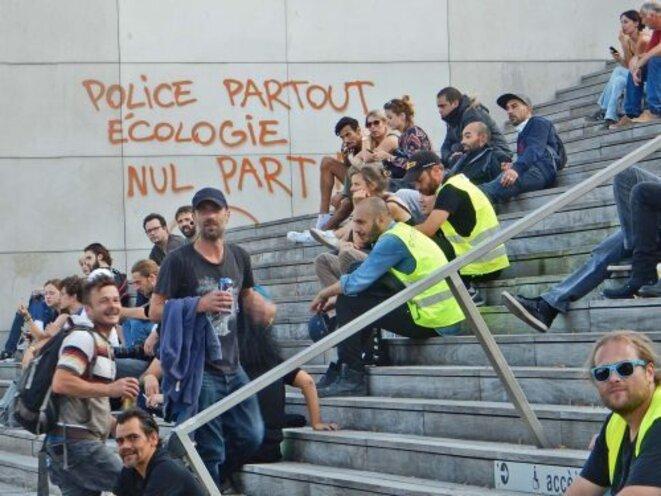 marche-justice-soc-et-climatique-2-oe78e7izbsgqaszb9cxkm2wejs45khxk6ddlscu2ee