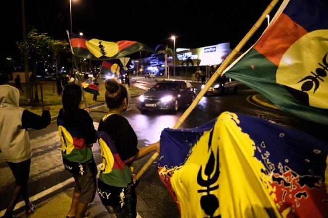 Des partisans du Front de libération nationale kanak et socialiste, dimanche, à Nouméa. © Theo Rouby / AFP