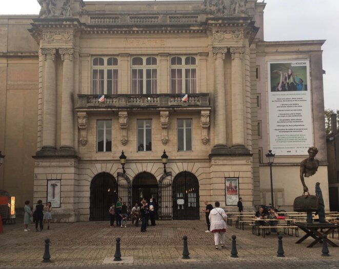 Devant le théâtre de La Méridienne à Lunéville peu avant la soirée de lancement de saison, 19 septembre 2020 © Guillaume Cayet