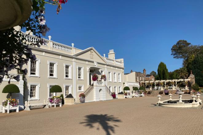 La mansión Saint-John en Jersey, antigua casa de la familia Dick y sede de la compañía fiduciaria La Hougue. © Franz Wild/TBIJ
