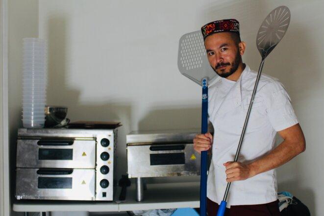 Abbas, réfugié afghan et pizzaïolo. © NB