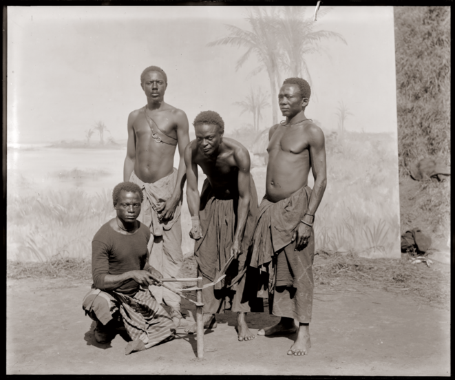 Photo de propagande coloniale. Exposition universelle Anvers, 1894. © Collection MAS.