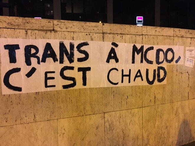 Collage organisé le 9 mars 2020, à Paris, par les membres du collectif McDroits, à l'occasion de la Journée de lutte pour les droits des femmes. DR