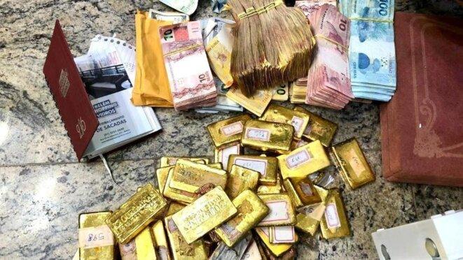 72 barres d'or, d'un poids de 44,9 kilogrammes. © Policia Federal
