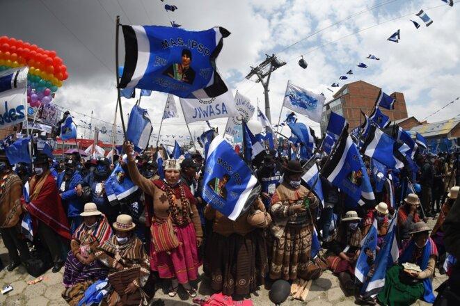 Des partisans du MAS à El Alto, près de La Paz, le 14 octobre 2020. © Aizar Raldes/AFP