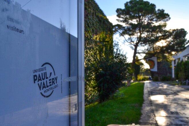 Panneau d'affichage sur le campus de la faculté Paul-Valéry, Montpellier, le 12/10/2020. © Samuel Clauzier