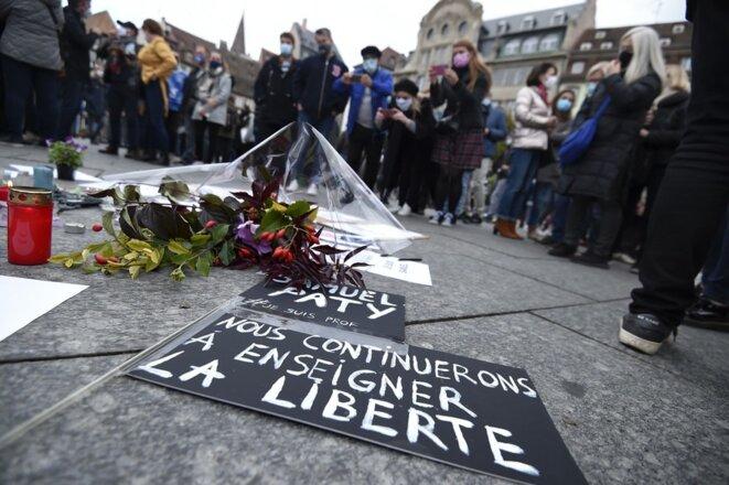 7800907674-les-rassemblements-se-sont-deroules-a-travers-toute-la-france-pour-rendre-hommage-a-samuel-paty