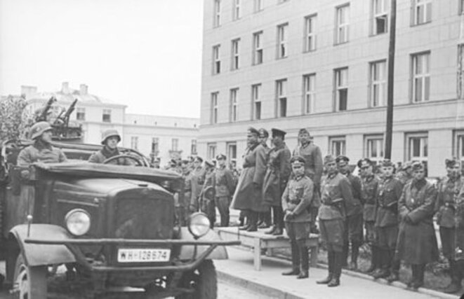 Brest, 22/09/ 1939. Parade commune soviéto-nazie © Wikepidea