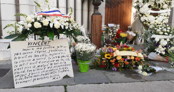 A message in tribute to murdered church warden Vincent Loquès. © Sana Sbouai