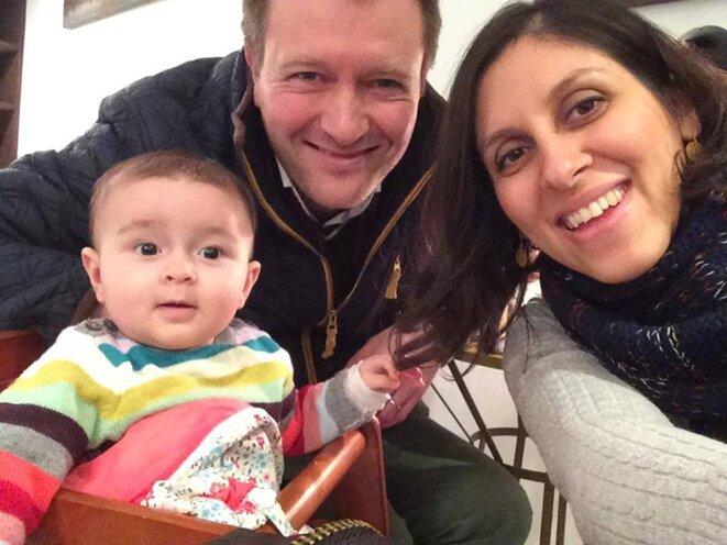 Richard Ratcliffe, Nazanin Zaghari-Ratcliffe et leur petite fille, Gabriella, 5 ans, âgée de 5 ans aujourd'hui.