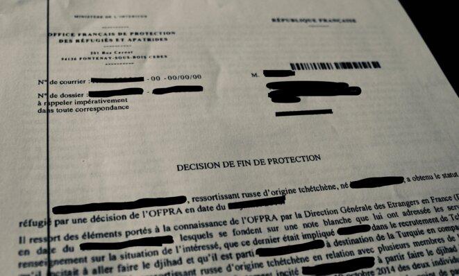 Décision de fin de protection de l'OFPRA pour un réfugié d'origine tchétchène. © NB.