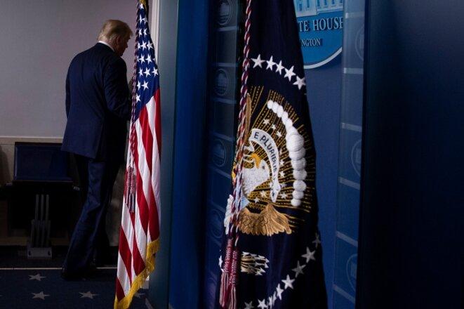 Donald Trump quitte la salle de presse de la Maison Blanche, jeudi 5 novembre. © Brendan Smialowski / AFP