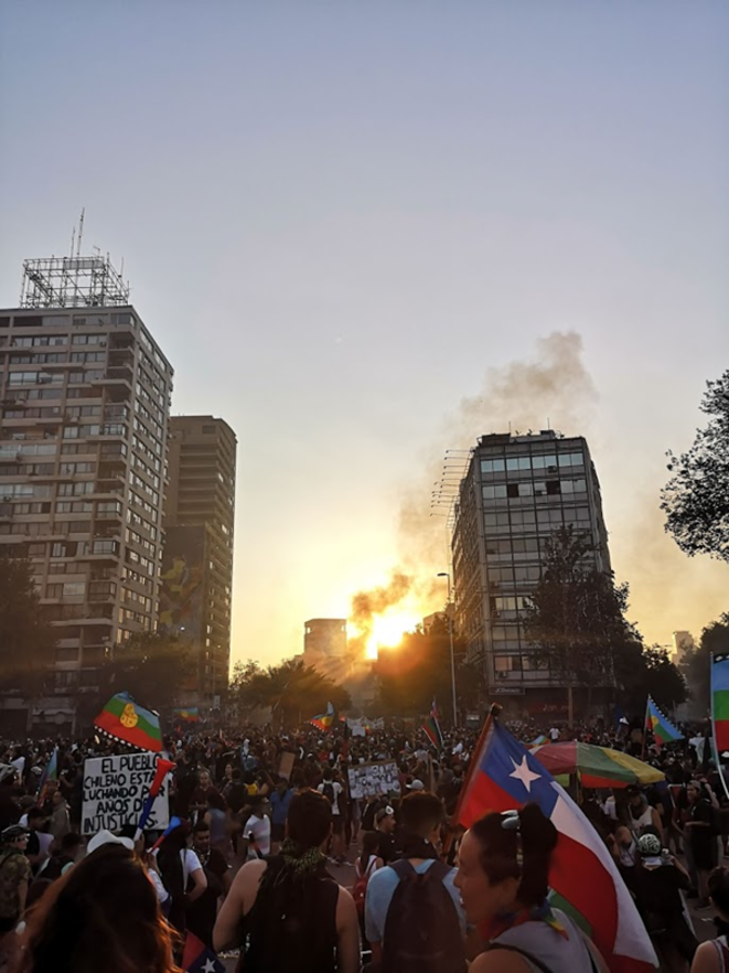 """Photo prise le 12/11/2019 sur la """"Plaza de la Dignidad"""" © Théo Guéret"""