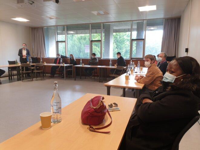 Première réunion du « comité de liaison citoyen Covid-19 », samedi 7 novembre 2020, à la mairie de Grenoble. © MD
