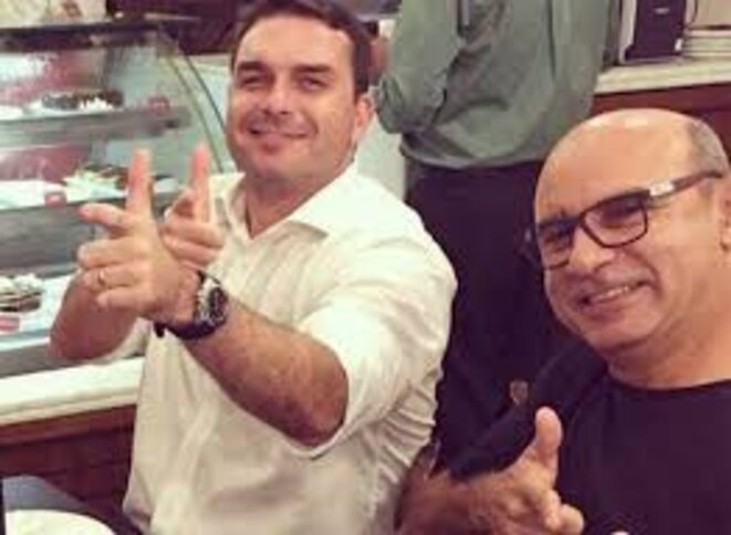 Flávio Bolsonaro et FabrícioQueiroz. © DR